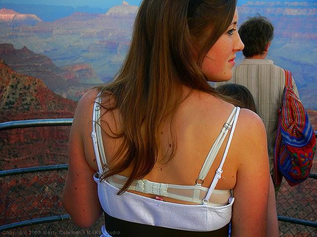 bra straps showing fashion - Google-Suche